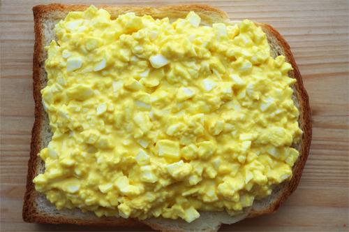 바쁜 아침 든든한 계란치즈토스트