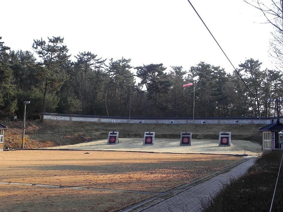 궁도인 들의 호연지기 & 심신 수련장 ☞익산 궁도장 송백정(松柏亭)